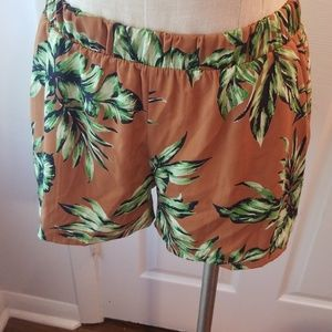 Sz S Tyche ON TREND palm print shorts